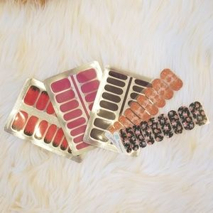Bundle of 5 Complete Nail Stickers! NEW!💅